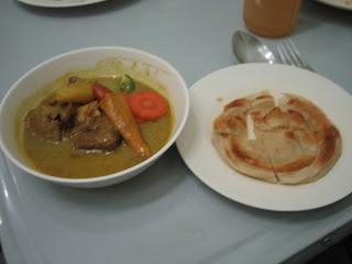 Roti con Curry Rojo de Cordero