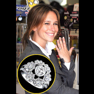 Celebrity Jennifer Love Hewitt engagement ring
