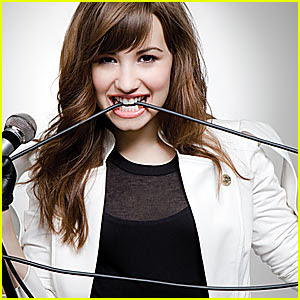 Demi Lovato Falling  Lyrics on Demi Lovato  Catch Me  Music Lyrics   Video   Ready2beat