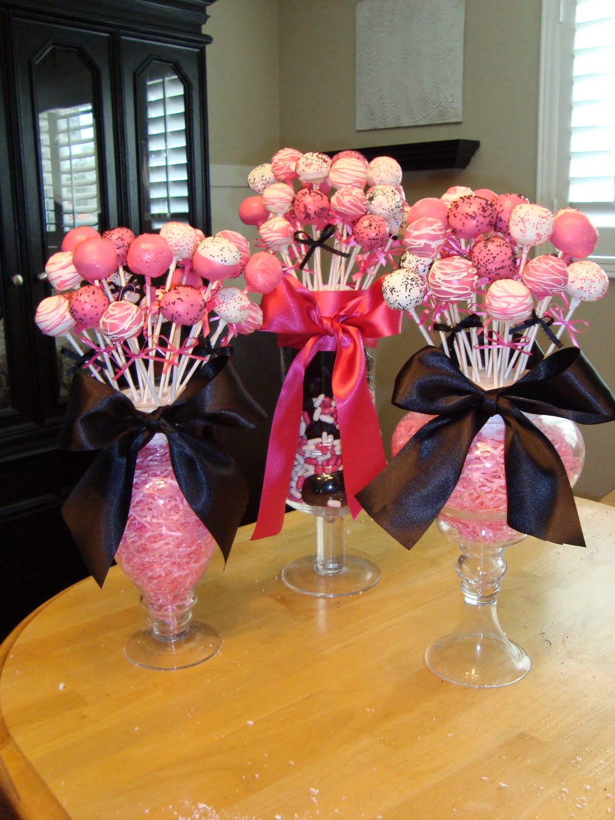 Ryan and whitney jackson cake pops for Baby shower foam decoration