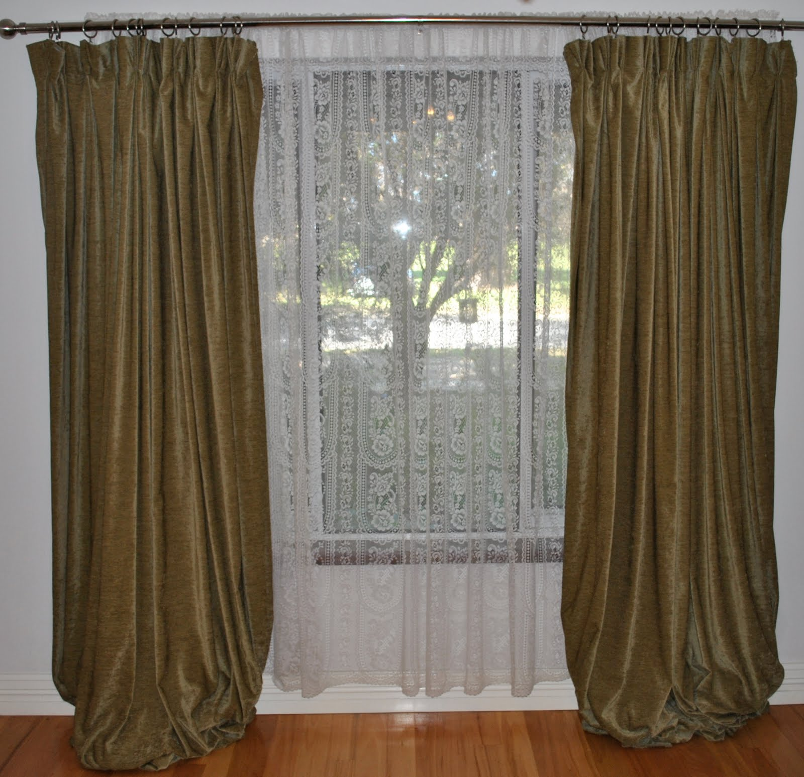 bedroom curtain ideas via