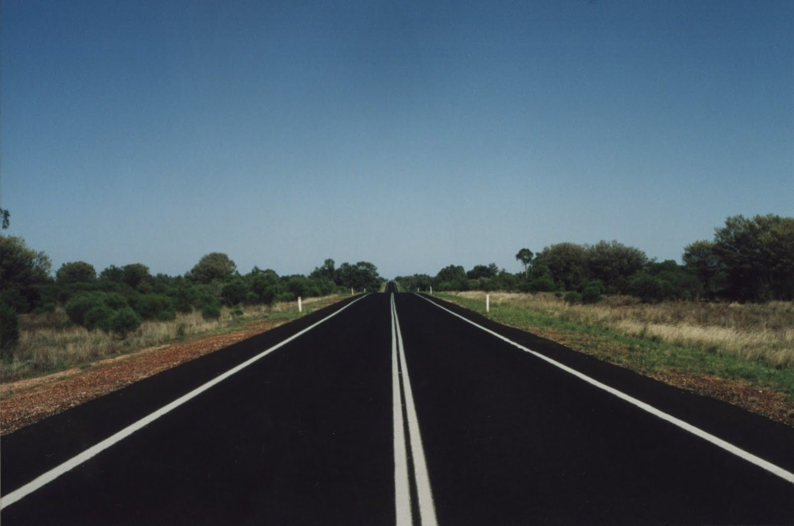 Bob Palmer's Blog: The World's longest straight paved road ozzzz.,