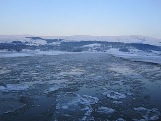 ice floes on the Dyfi Estuary, mid-Wales on 24 December 2010. Photo: Richard Collins