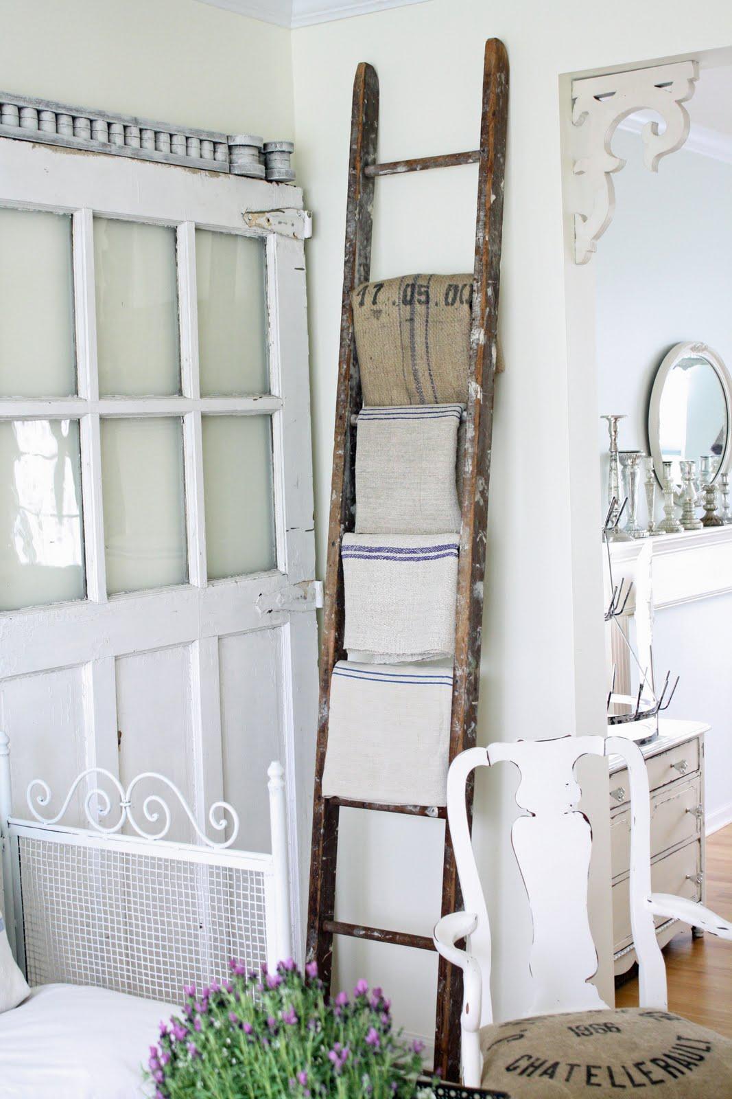 Fauna Decorativa Escalera Como Toallero Ladder As Towel