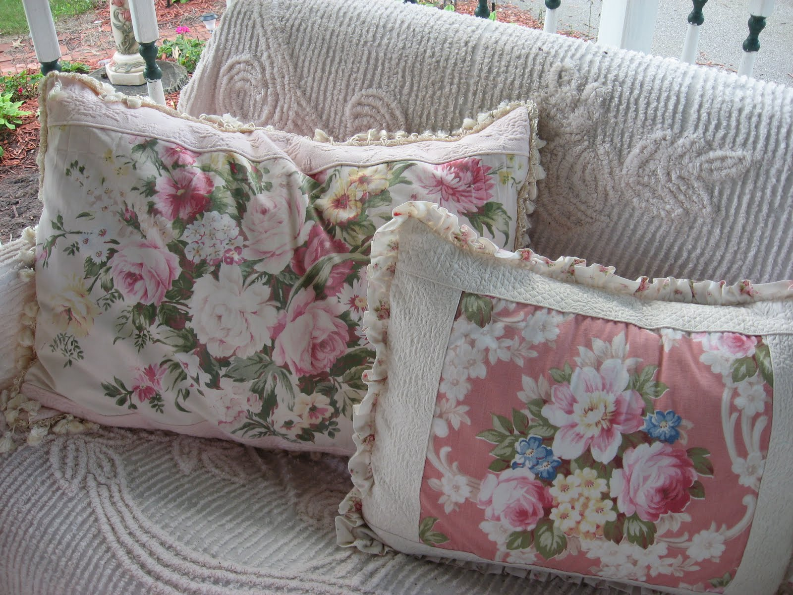 100 shabby chic pillows bedroom double bed dimensions uphol