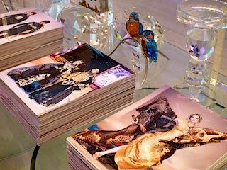 アンドレ・キム氏ファッションショーのパンフレットを見せていただきました。