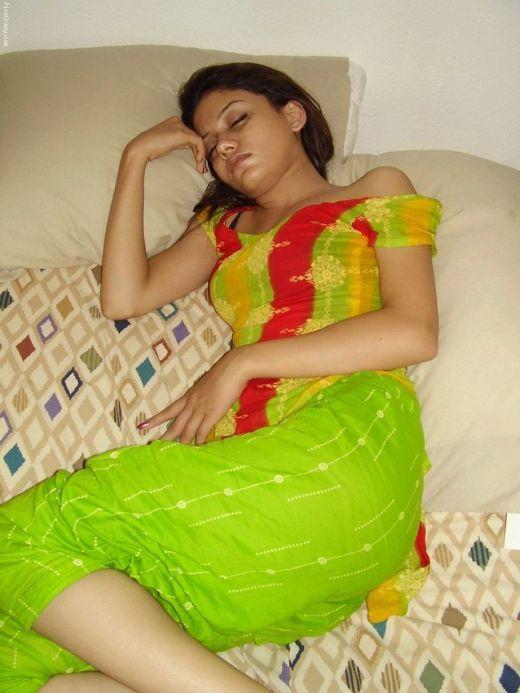 Photo Gallery: Hot pakistani girl sleeping
