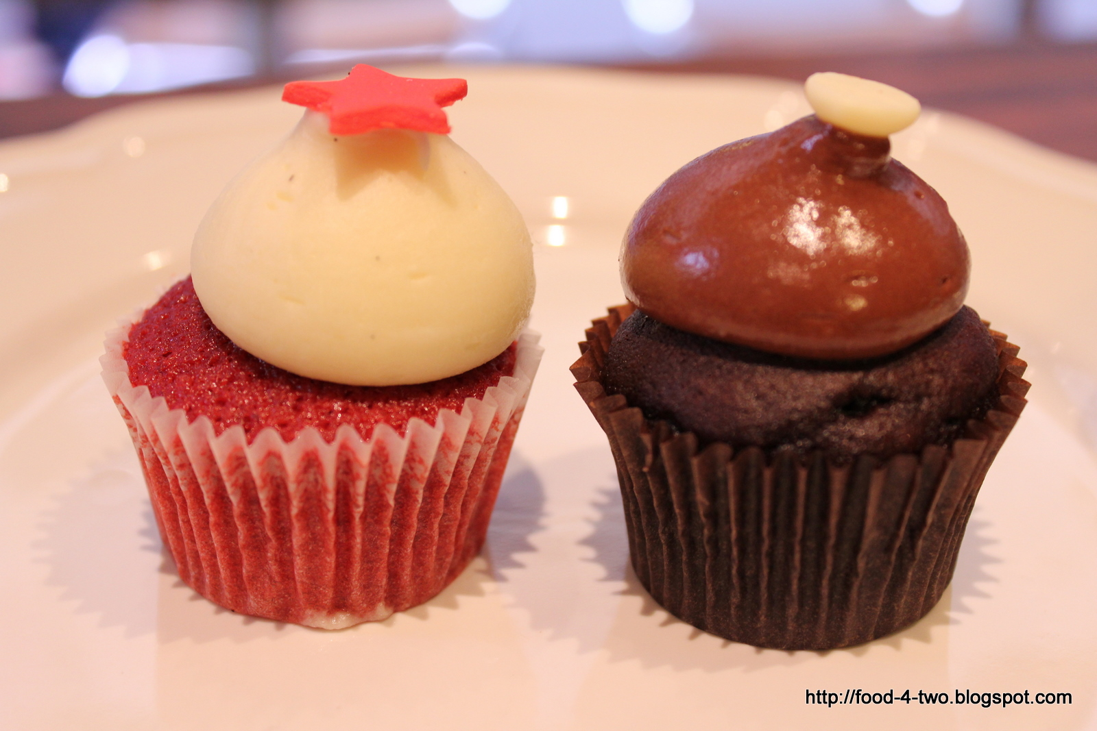 food.4.two: Melbourne Day 1: Cafe Vue, Little Cupcakes ...