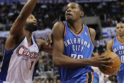 http://1.bp.blogspot.com/_reQiLKFPl4M/TTBJGlqrQfI/AAAAAAAAABU/RUrtf1UokyU/s1600/79944_aptopix_thunder_clippers_basketball.jpg