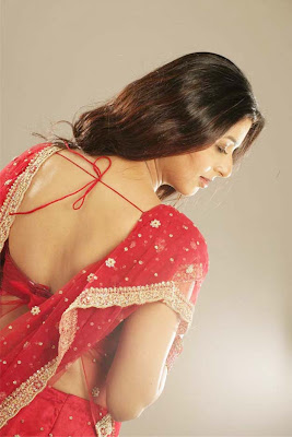 hot-sexy-desi-actress-backless-bareback-without-dress