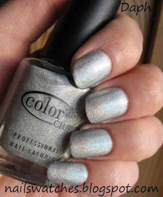 color club worth the risque risk silver holographic wild at heart nail polish femme fatale collection nailswatches