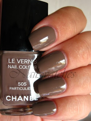 chanel particuliere taupe creme nailpolish permanent collection nailswatches