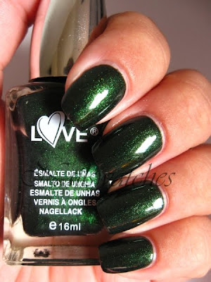 yes love green shimmer 402 nailpolish spanish brand nailswatches