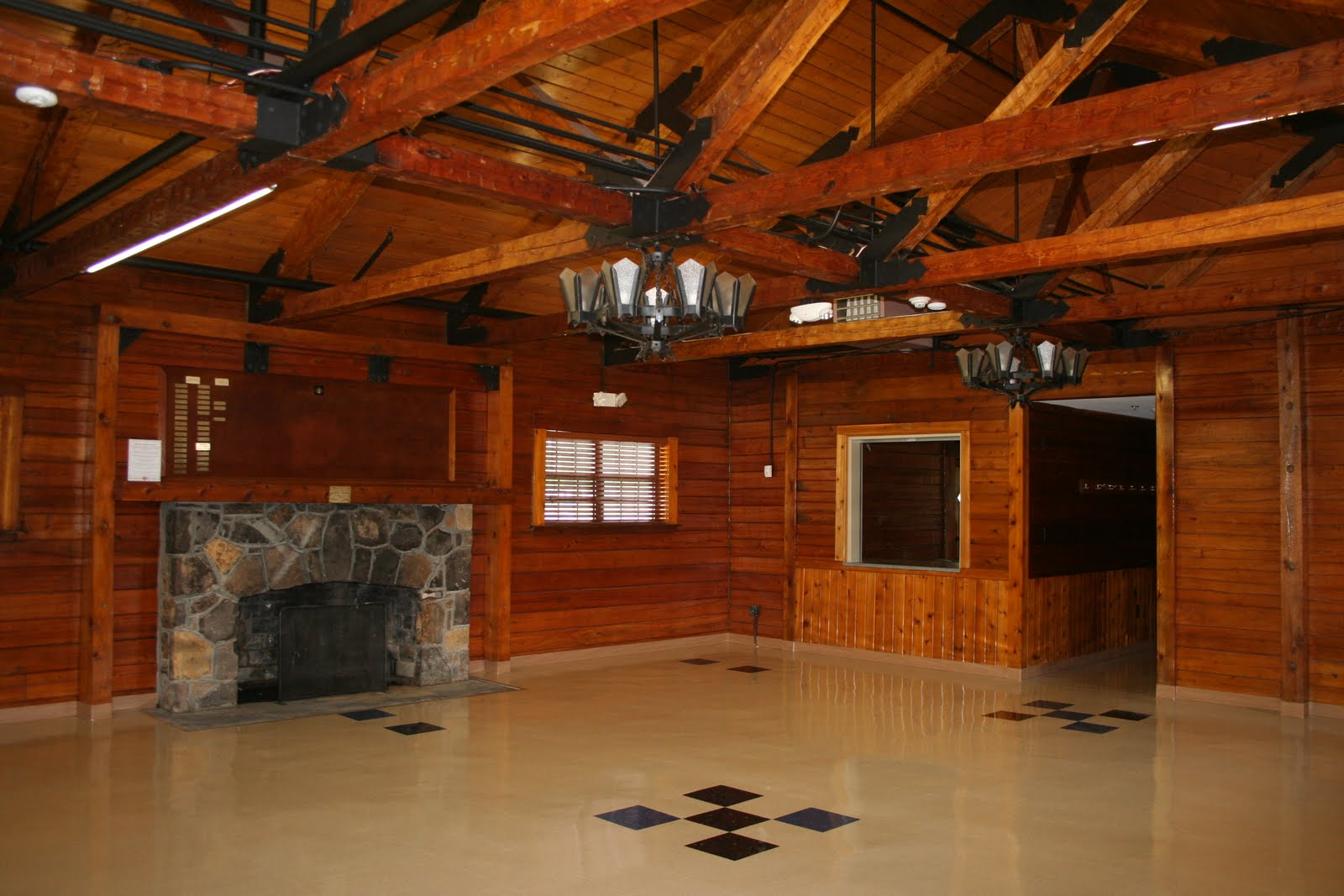 Banquet rooms banquet room riverside ca for Laughlin cabins