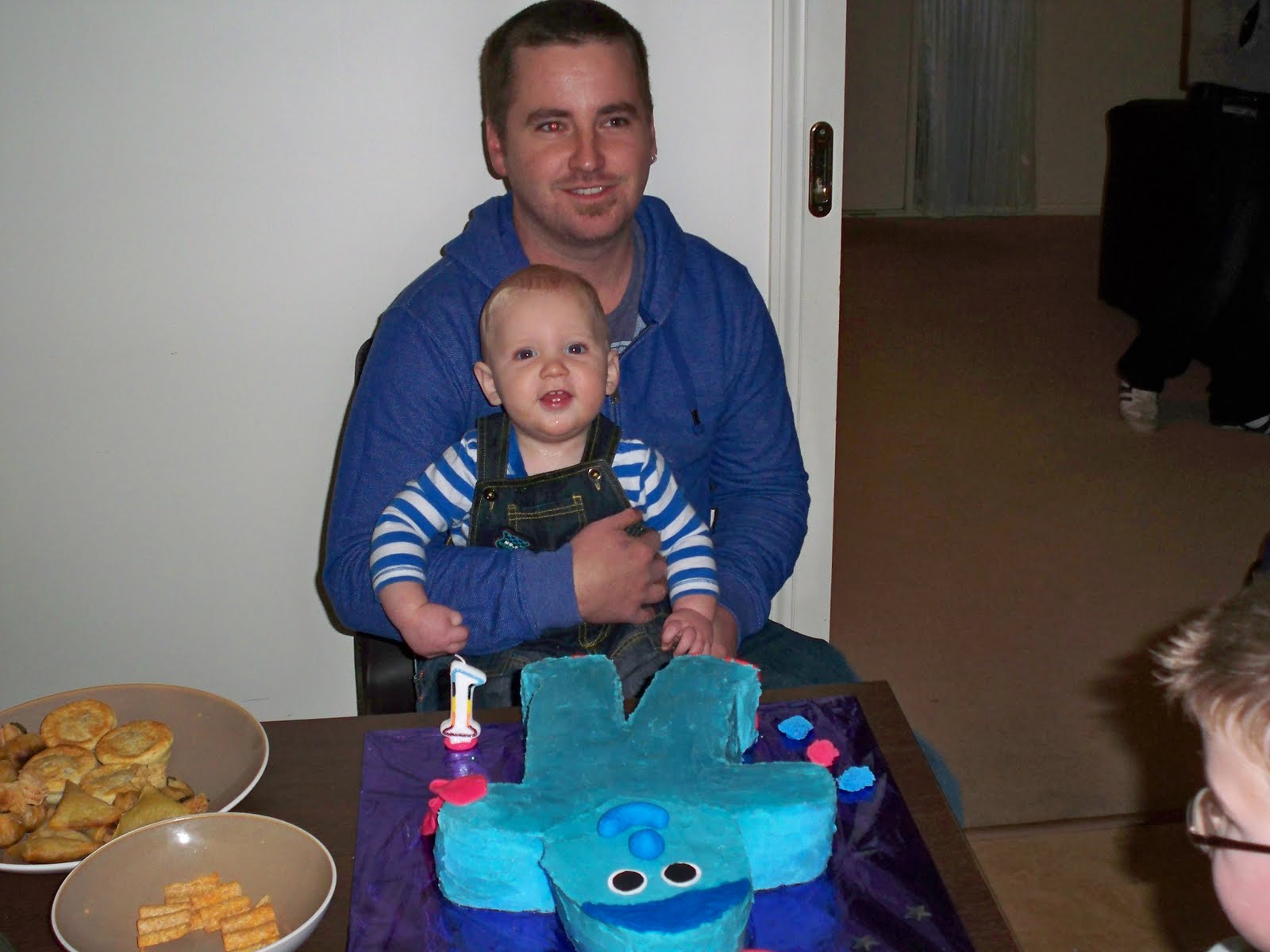 http://1.bp.blogspot.com/_rgpKq6xZv6Y/TG3ymDgVaSI/AAAAAAAAADg/i5DrhfaLhVc/s1600/birthday+015.jpg