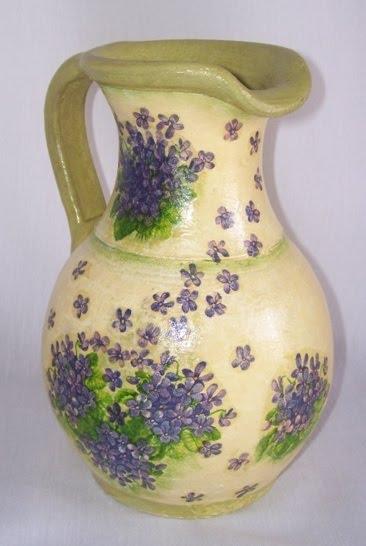 Diseño con decoupage sobre jarra de baro cocido