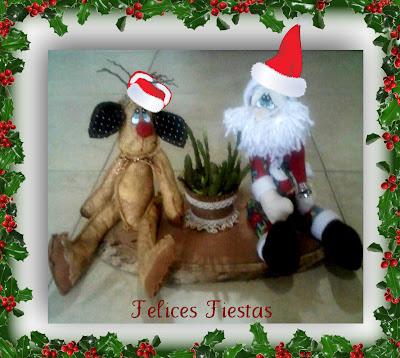 Centro de mesa navideño  con Papá Noel y reno de tela
