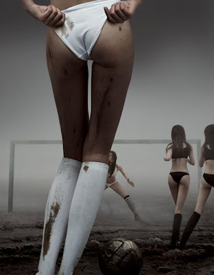 asiaticas desnudas, llenas de barro, futbolistas cachondas