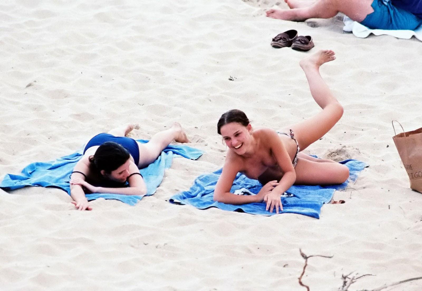 http://1.bp.blogspot.com/_rhYyryPuww0/TSmZ1A5d9BI/AAAAAAAAJeM/bT-sOlbOtuk/s1600/natalie-portman-topless-beach-07.jpg