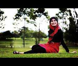 LIny Aziz Photo's