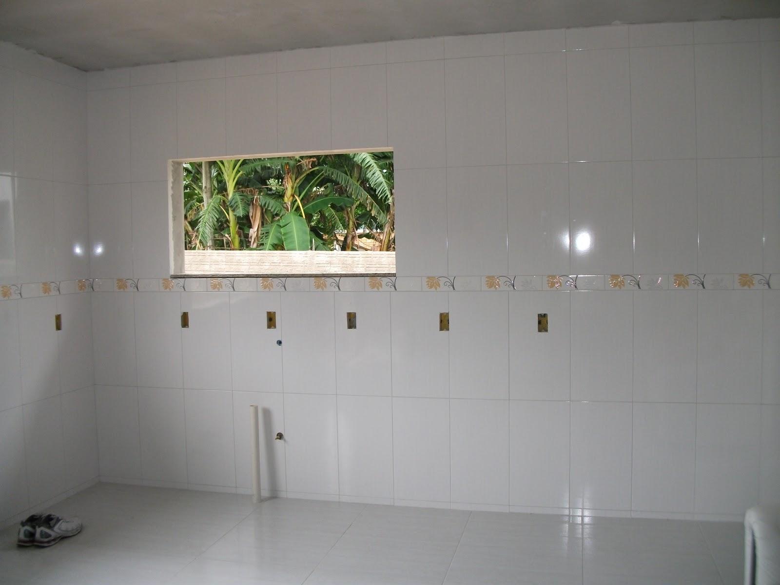 CONSTRUTOR ANDREI GAROPABA SC  : REVESTIMENTO EM PORCELANATO CASA  #495F37 1600x1200 Banheiro Com Revestimento Em Porcelanato