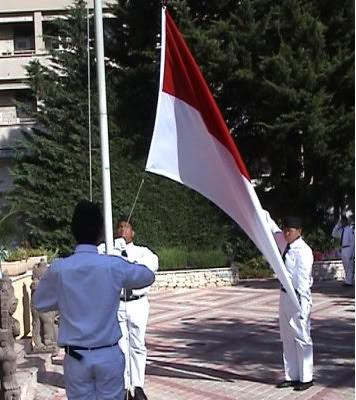 Nasionalisme dan Patriotisme merupakan masalah yang rumit sekarang ini ...