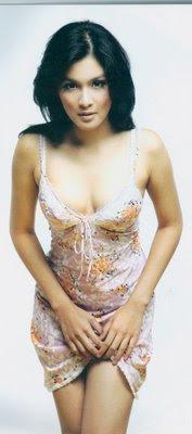sandra_dewi_hot_sexy1
