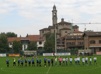 L'ingresso delle due squadre.