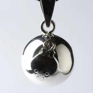 le collier bola pour les futures mamans miss chocor ve. Black Bedroom Furniture Sets. Home Design Ideas
