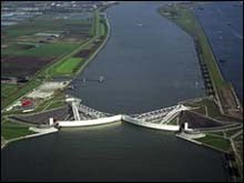 MAESLANT STORM SURGE BARRIER