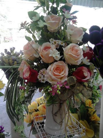 ดอกกุหลาบมีหลายชนิดหลายสี