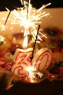 Joyeux Anniversaire 30 Ans: Photo : 30 ans - un gâteau et une déco