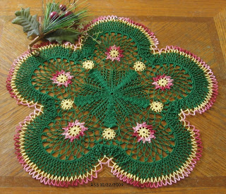 Holly Wreath Doily - Free Crochet Patterns at