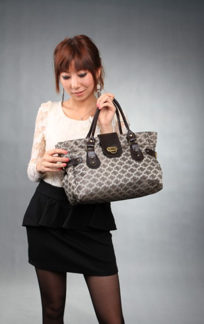 Wholesale Korean And Muslimah Fashion Apparel For Trendy And Elegant Ladies Retro Canvas