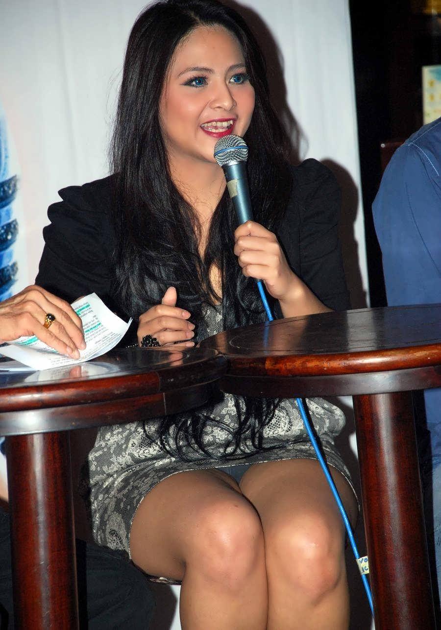 Hot indonesian singer celeb artis indo goyang hot 3