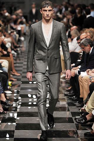 2010 ilkbahar yaz Prada erkek giyim
