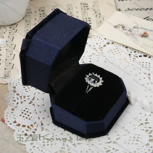 prince williams kate middleton ring. Prince William and Kate
