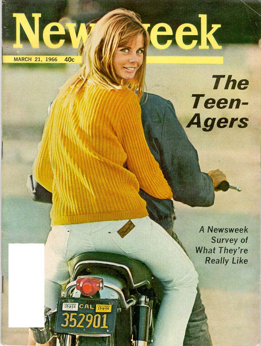 Lot of 9 NEWSWEEK Magazines 1970s President Richard Nixon Impeachment Resign
