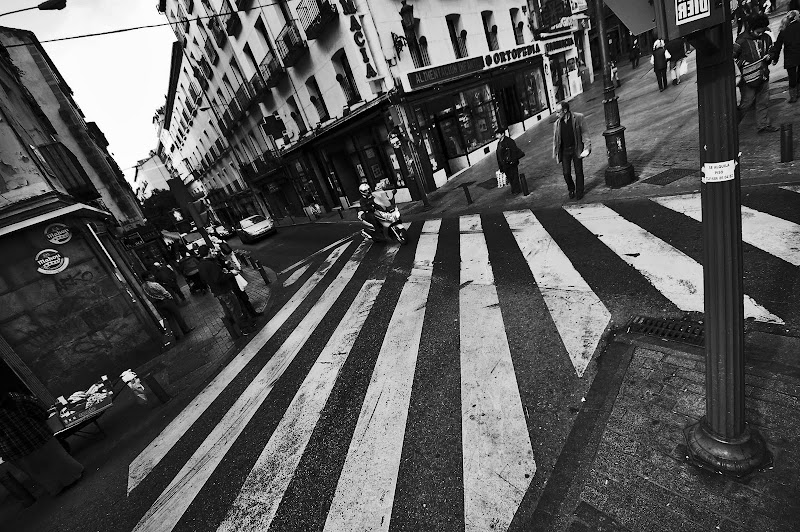 LAVAPIES MADRID BLANCO Y NEGRO