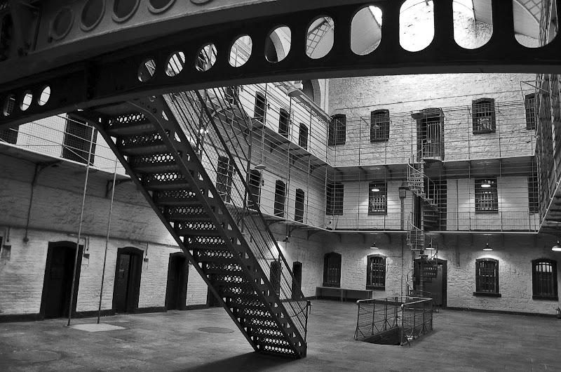 dublin prision blanco y negro