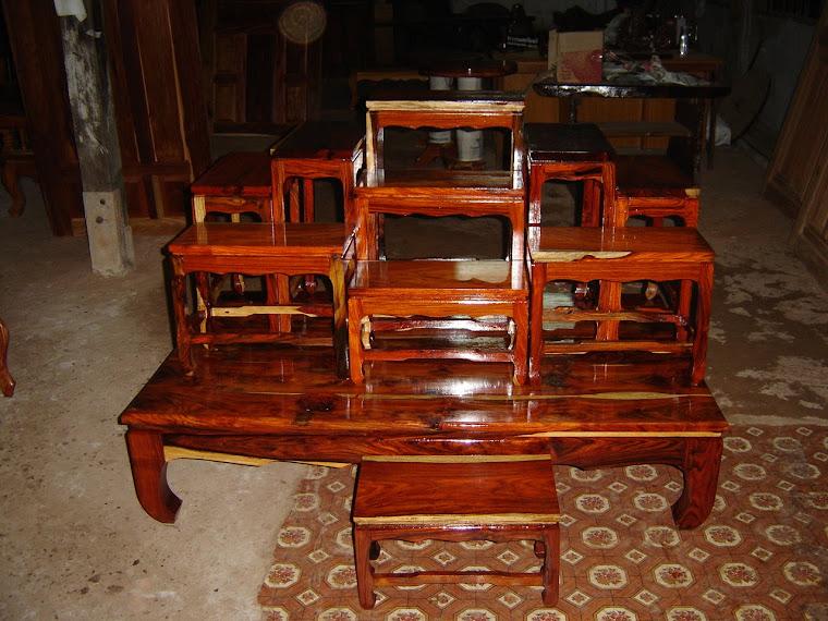 โต๊ะหมู่ไม้พยุงชุดใหญ่