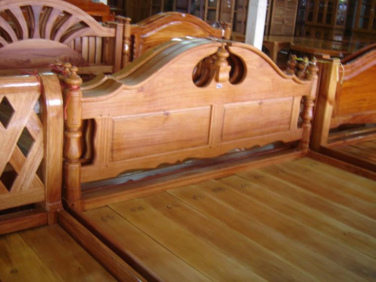 เตียงอีกแบบ  ขนาด  6  ฟุต