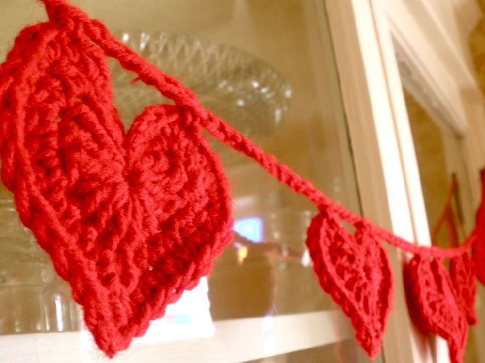 Free crochet heart patterns, red heart yarn patterns, crochet