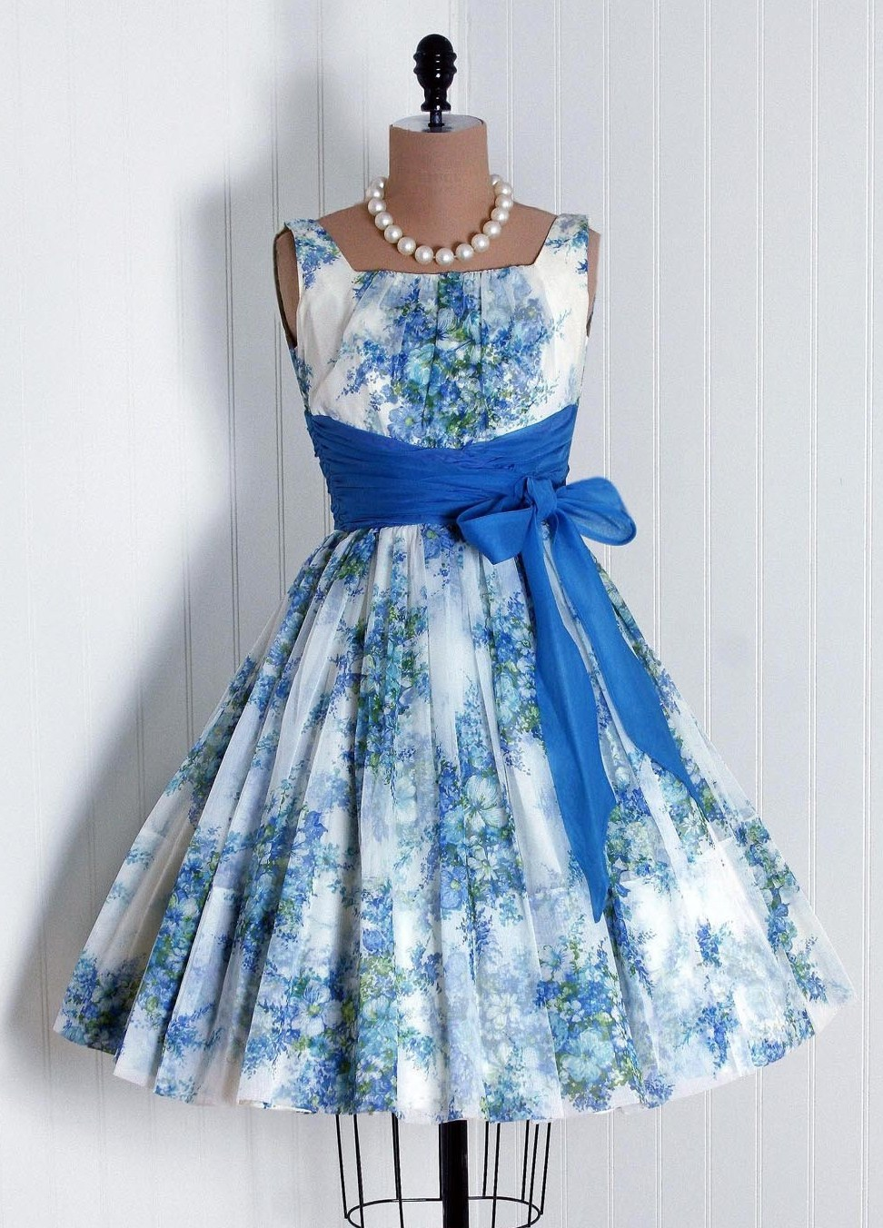 Inspired by kelly style inspiration vintage blue floral party dress