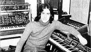 Synergy en su estudio hacia 1977
