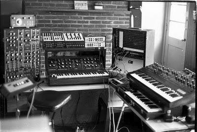 El estudio privado de Larry Fast en 1978 durante la grabación de Games