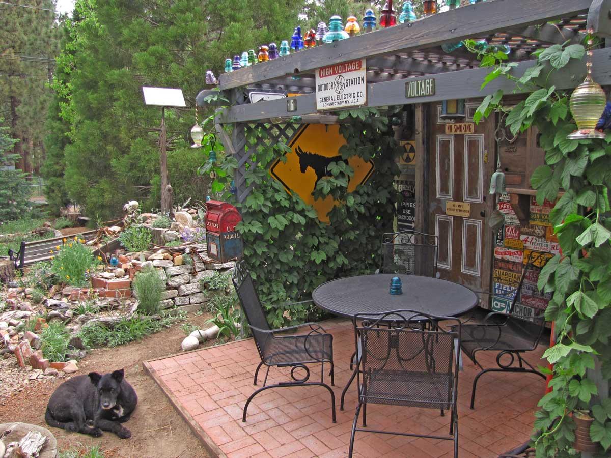 [beer-garden-patio-and-rock-garden-6-3-09.jpg]