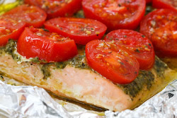 Foil-Baked Salmon Recipe with Basil Pesto and Tomatoes | Kalyn's ...