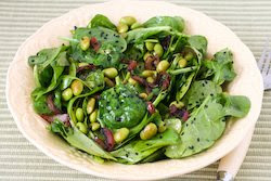 Spinach salad red onion dressing