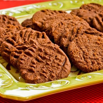 Flourless and Low-Sugar (or Sugar-Free) Chocolate Shortbread Cookies